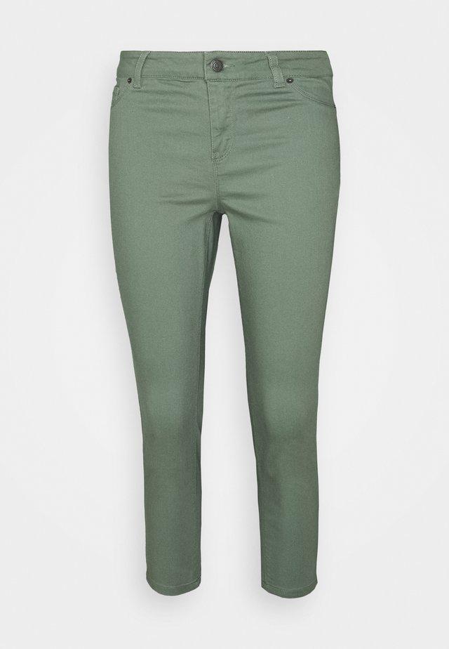 VMHOT SEVEN  - Slim fit jeans - laurel wreath