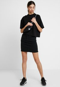 Pieces - PCAIA SKIRT  - Pencil skirt - black denim - 1