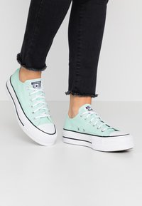 Converse - CHUCK TAYLOR ALL STAR LIFT SEASONAL - Joggesko - ocean mint/white/black - 0