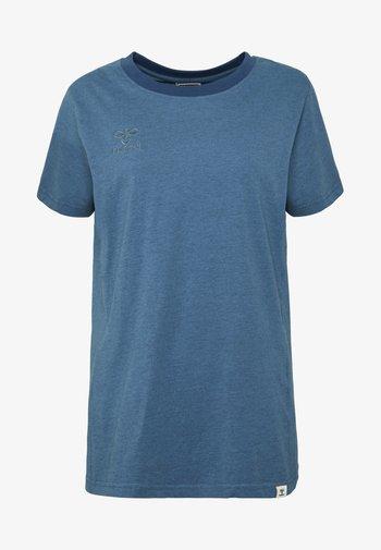 HMLMOVE  - Basic T-shirt - bering sea