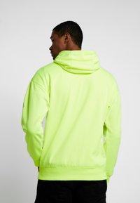 Nike Sportswear - Hættetrøjer - neon green - 2