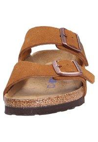 Birkenstock - Sandalias planas - brown - 8