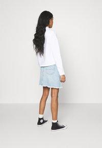 Tommy Jeans - SHORT SKIRT - Jupe en jean - blue denim - 2