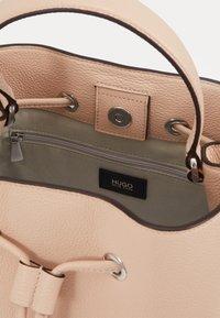 HUGO - VICTORIA - Across body bag - pink - 3