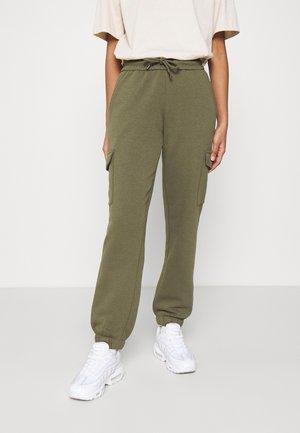 JDYLINE UTILITY PANT - Tracksuit bottoms - ivy green
