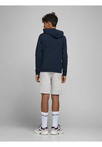 Jack & Jones Junior - Shorts - light grey melange - 3