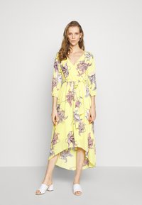s.Oliver BLACK LABEL - KLEID KURZ - Day dress - lemonade - 0