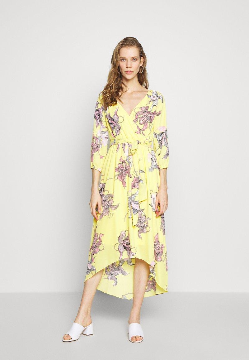 s.Oliver BLACK LABEL - KLEID KURZ - Day dress - lemonade