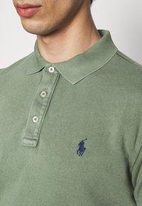 Polo Ralph Lauren - SPA TERRY - Poloshirt - cargo green - 5