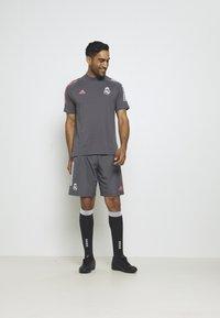 adidas Performance - REAL MADRID FOOTBALL SHORT SLEEVE  - Club wear - grefiv - 1