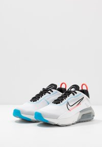 Nike Sportswear - AIR MAX 2090 - Sneakers laag - white/black/blue hero - 2