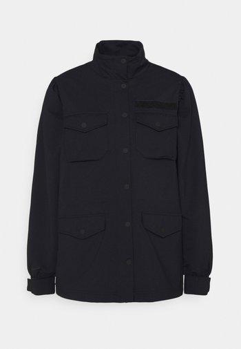 Lett jakke