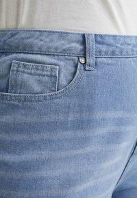 Missguided Plus - RAW HEM - Jeans slim fit - light blue - 5