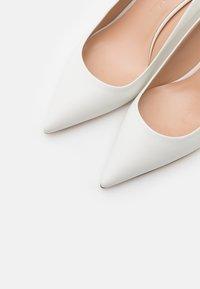 WEEKEND MaxMara - ORIETTA - Classic heels - weiß - 6