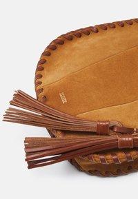 CLOSED - LUCIA - Across body bag - bamboo - 4