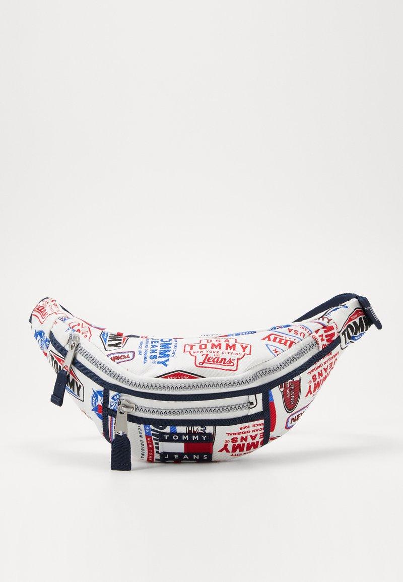 Tommy Jeans - HERITAGE BUMBAG PRINT - Marsupio - white