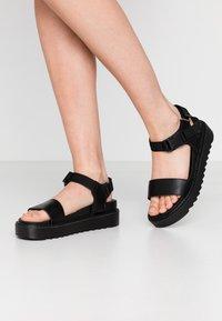 Koi Footwear - VEGAN  - Plateausandalette - black - 0