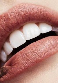 MAC - MATTE LIPSTICK - Lipstick - down to an art - 1
