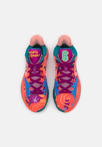 Nike Performance - KYRIE LOW 4 - Basketball shoes - bright crimson/black/red plum - 3