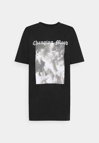 STATEMENT TEE - Print T-shirt - black/grey