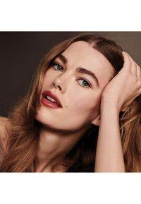 Bobbi Brown - LUXE LIP COLOR - Lipstick - hibiscus - 1