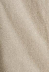 Esprit - MIT BUNDFALTEN - Tygbyxor - beige - 6