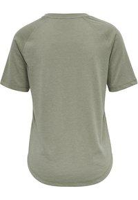 Hummel - HMLVANJA - Basic T-shirt - vetiver - 5