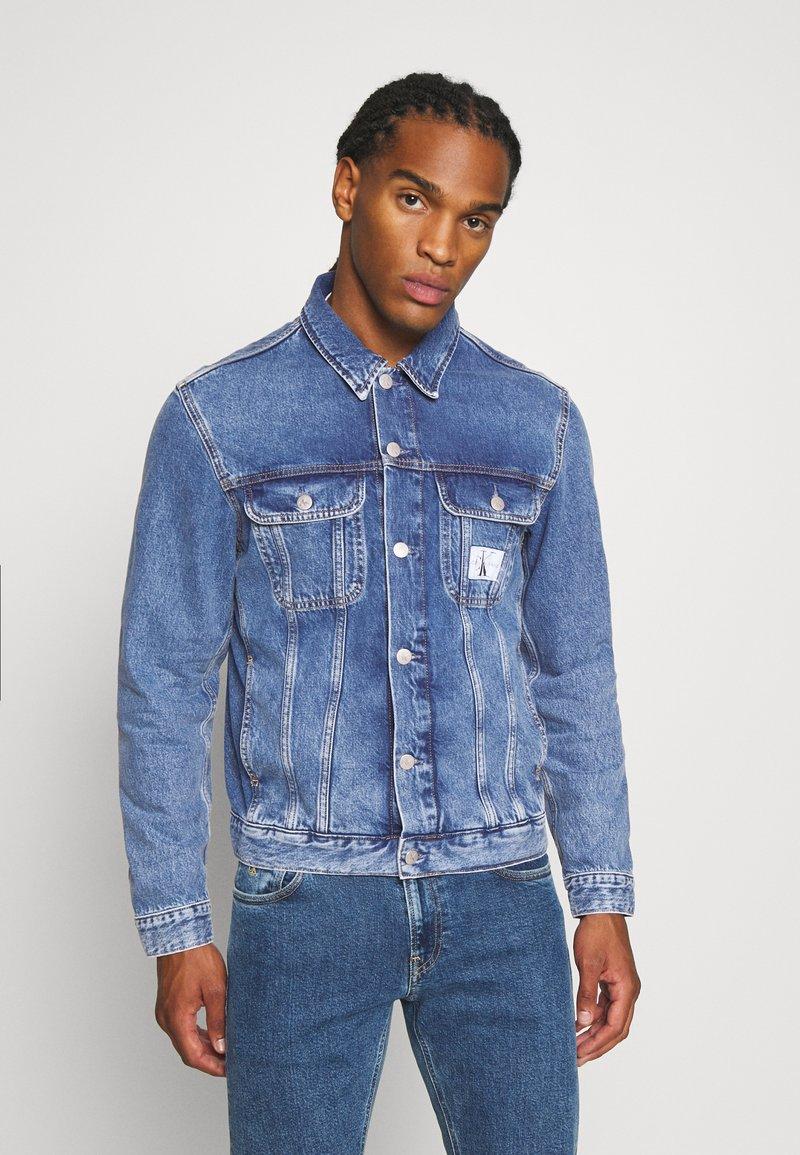 Calvin Klein Jeans - 90S JACKET - Spijkerjas - mid blue