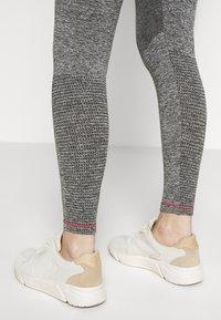 MAMALICIOUS - ACTIVE TIGHTS  - Leggings - Trousers - medium grey melange - 5