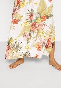 Banana Moon - MAXI DRESS LAHAINA - Beach accessory - white - 5