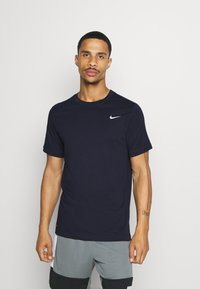 Nike Performance - DRY TEE CREW SOLID - Camiseta básica - obsidian/matte silver - 0
