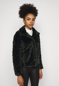 VILA PETITE - VIALIBA JACKET - Winter jacket - black - 0
