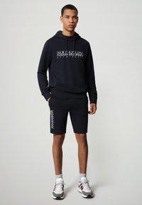Napapijri - NALLAR - Shorts - blu marine - 1