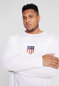 GANT - PLUS SHIELD - Long sleeved top - white - 3
