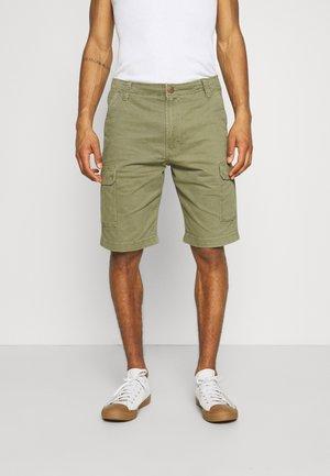 CASEY - Shorts - lone tree green