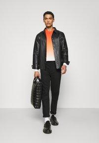 Bruuns Bazaar - BARLEY SHIRT - Košile - black - 1