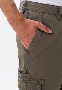 BRAX - STYLE LUCKY - Cargo trousers - khaki - 3