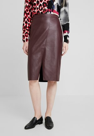 Pencil skirt - ruby wine