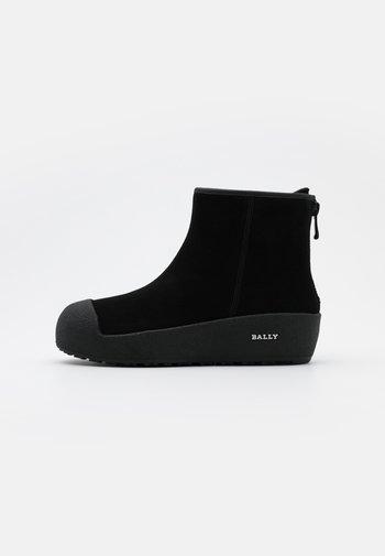 GUARD - Zimní obuv - black