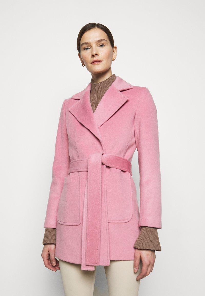 MAX&Co. - SRUN - Krátký kabát - pink