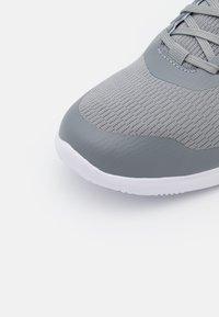 Reebok - STRIDIUM - Sportieve wandelschoenen - pure grey 5/footwear white/quartz metallic - 5