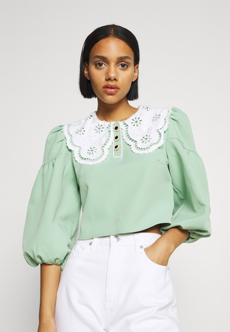 Sister Jane - TOURNAMENT COLLAR CROPPED BLOUSE - Blouse - green
