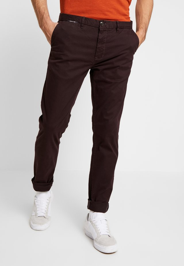 MOTT CLASSIC - Pantalones chinos - bordeaubergine