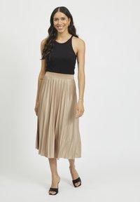 Vila - Pleated skirt - sandshell - 1
