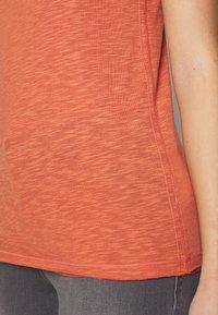Sisley - ROUND NECK - Basic T-shirt - coral - 4