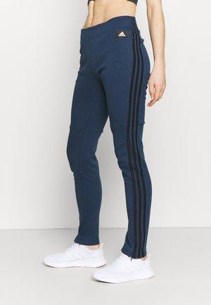 ADIDAS SPORTSWEAR 3-STRIPES SKINNY PANTS - Spodnie treningowe - crenav/hazblu