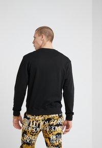 Versace Jeans Couture - FELPE UOMO - Sweatshirt - nero - 2