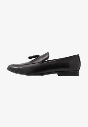 TASSLE LOAFER - Eleganckie buty - black