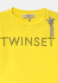 TWINSET - Print T-shirt - sunny lemon - 2