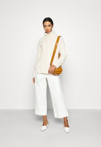NA-KD - BIG NECK CABLE - Jumper - off white - 1
